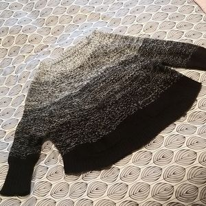 Cute slouchy blk wht sweater